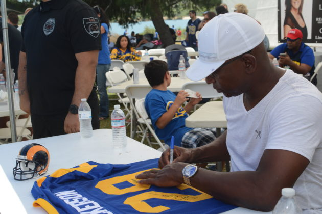 Eric Dickerson was present for autographs. Photo credit: Beautiful Memories by Valerie Gomez.